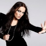TARJA TURUNEN ZAPJEVALA &#8221;NOTHING ELSE MATTERS&#8221; NA VJENANJU U CRKVI U HELSINKIJU