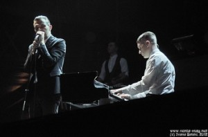 HURTS' ADAM ANDERSON ADMITS TO FALLING ASLEEP ON STAGE