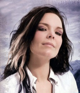 "ANETTE OLZON OBJAVILA LYRIC VIDEO ZA PJESMU ""FALLING"""